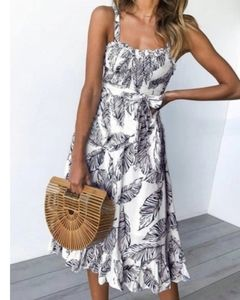 Lined leaf sz M ruffle hem pink white slip dress